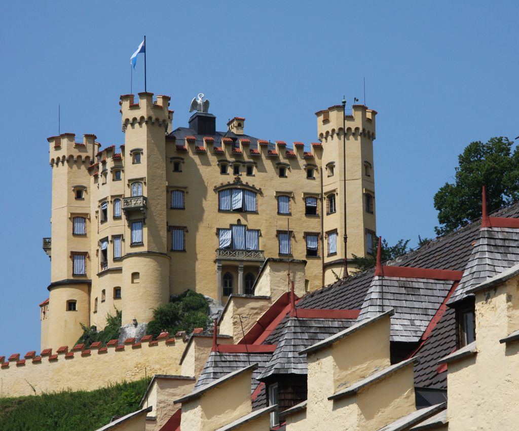 HOHENSCHWANGAU CASTLE AND MUSEUM OF THE BAVARIAN KINGS